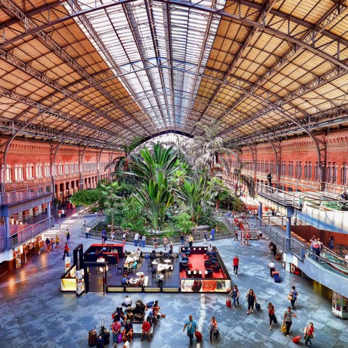 Трансфер и экскурсии в Испанию